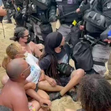 Continúan las protestas por construcción de piscina en condominio en Rincón