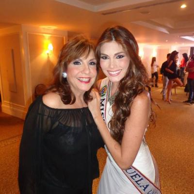 Grace Fontecha y Gabriela Isler.JPG
