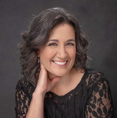 Reconocen a profesora de la UPR por su compromiso con la educación STEM entre las mujeres