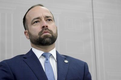 Marrero endosa permanencia de Llerandi y Maceira en el gobierno