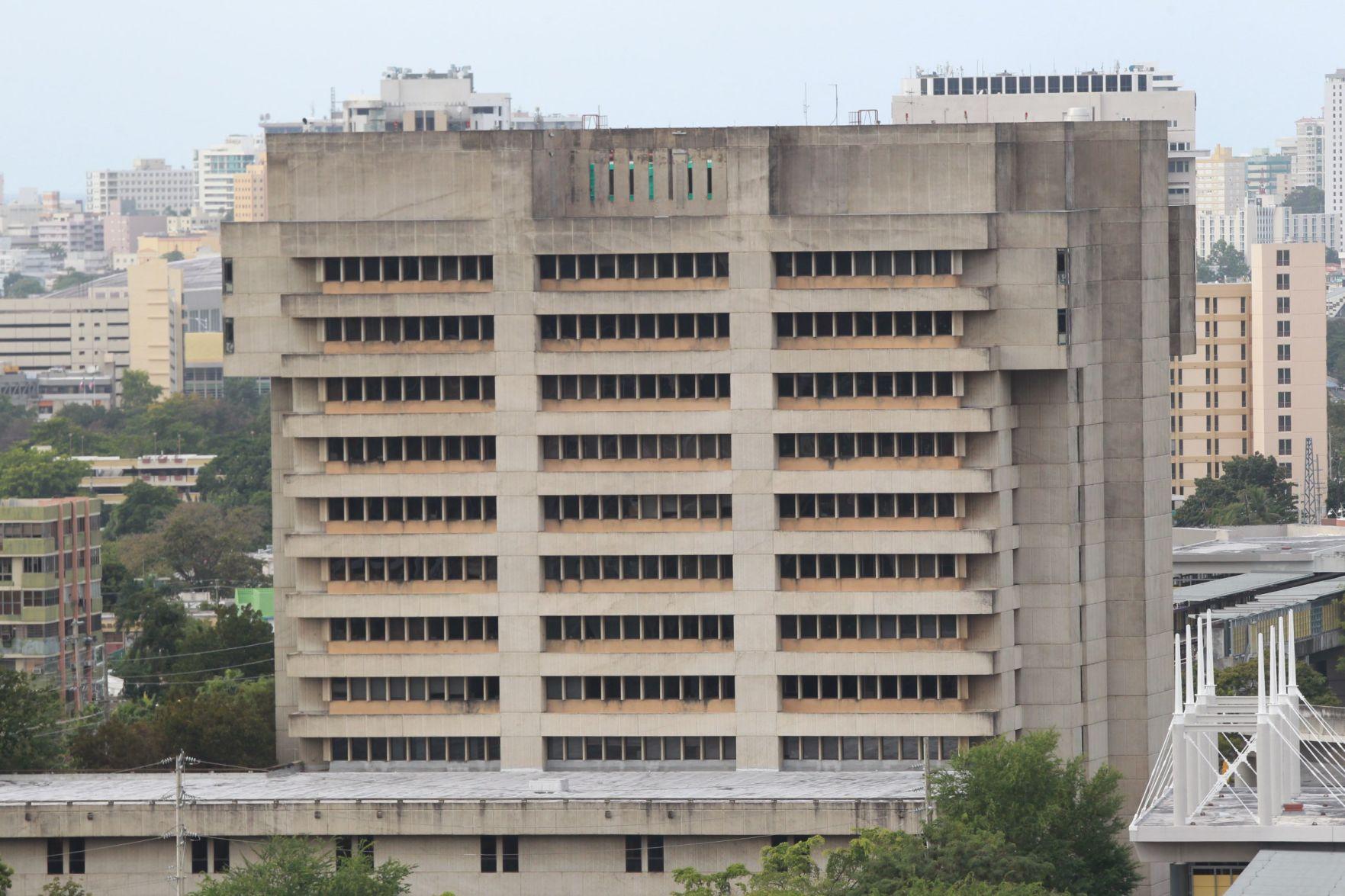 Sentencian a exrector UPR Cayey a probatoria