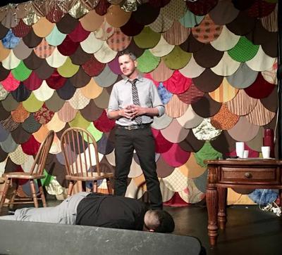 Actores de improvisación presentan libro donde plasman un crimen teatral habitado por lo inusual y lo desconocido
