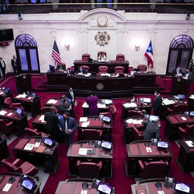 El Senado avala incluir a policías estatales y municipales en el Plan de Salud del Gobierno