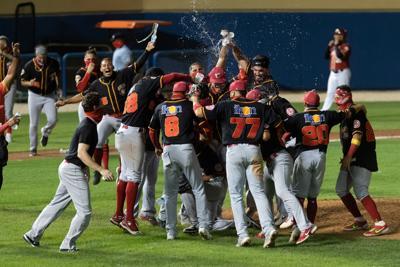 Criollos se coronan en el béisbol invernal