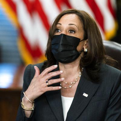 Las mascarillas regresan a la Casa Blanca tras repunte de casos de covid-19