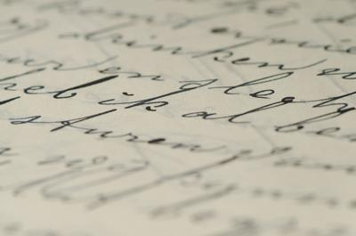 Mujer recibe cartas de amenaza por ser hispana