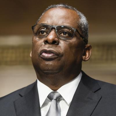 Senado confirma a Lloyd Austin al mando del Pentágono
