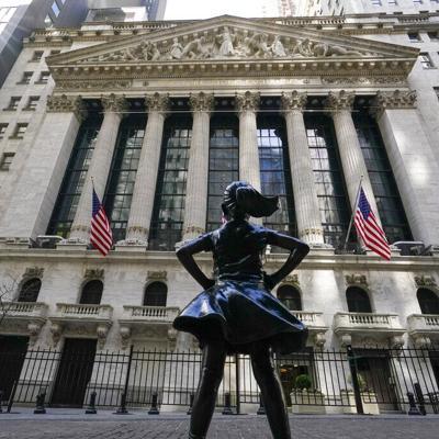 Wall Street baja tras declaraciones de funcionario de la Fed