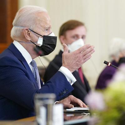 Biden elevará el tope de refugiados en mayo