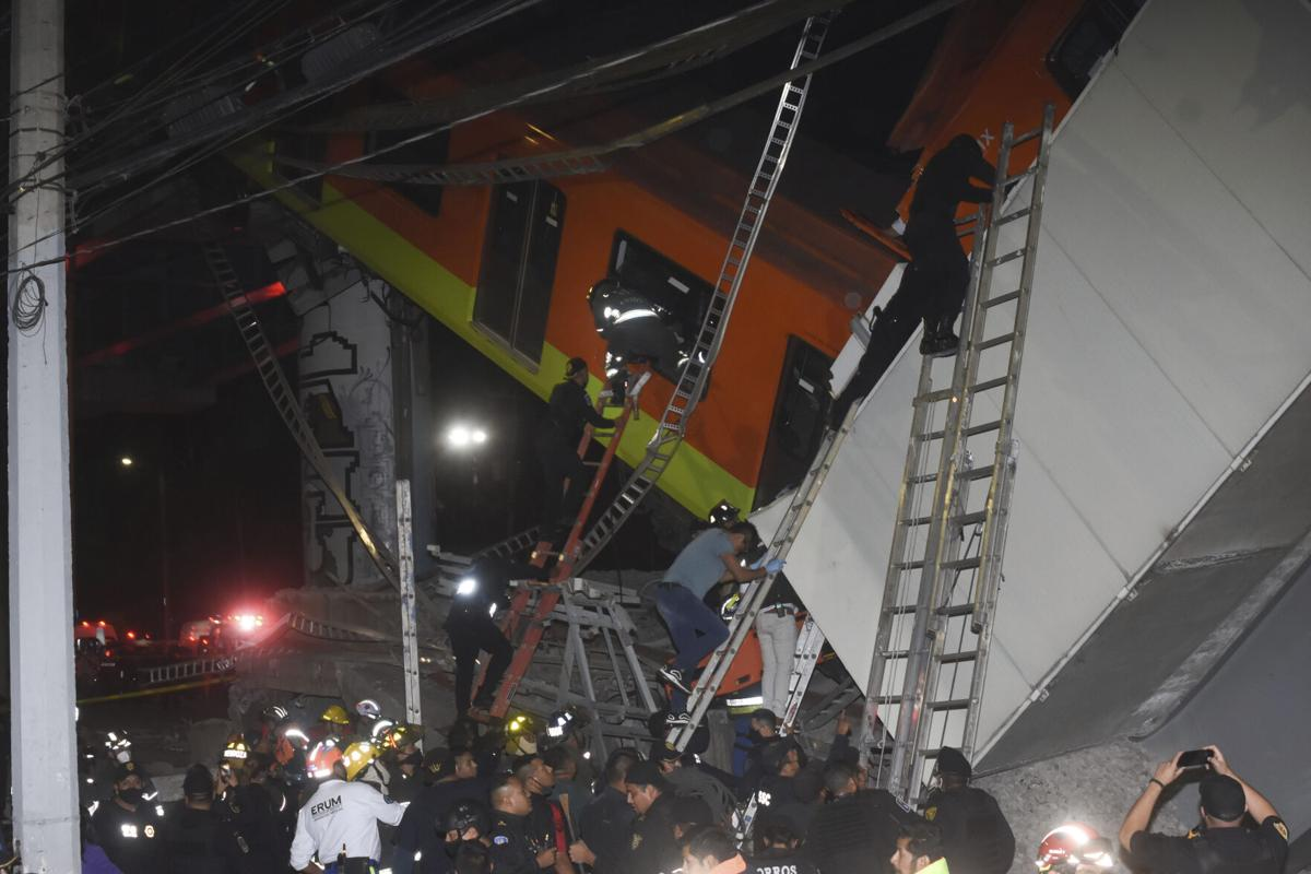 APTOPIX Mexico Metro Collapse