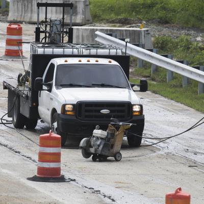 La Autoridad de Carreteras asegura que no tiene suficiente dinero para reparar carreteras, puentes, semáforos y aceras