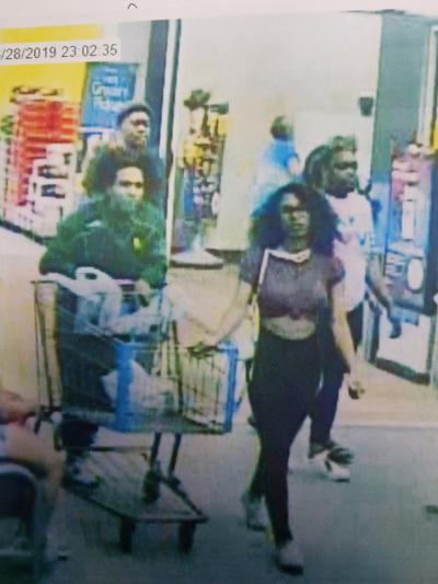 Arrestan a joven por lamer mantecado en una tienda