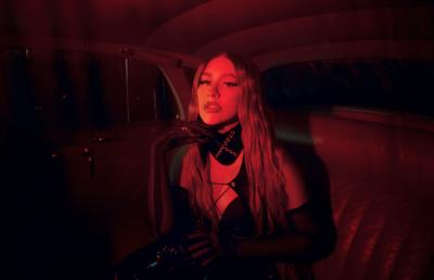 Christina Aguilera suena en español en Pa mis muchachas