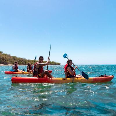 Buscan crear la Ruta del Kayak en las costas de Aguadilla