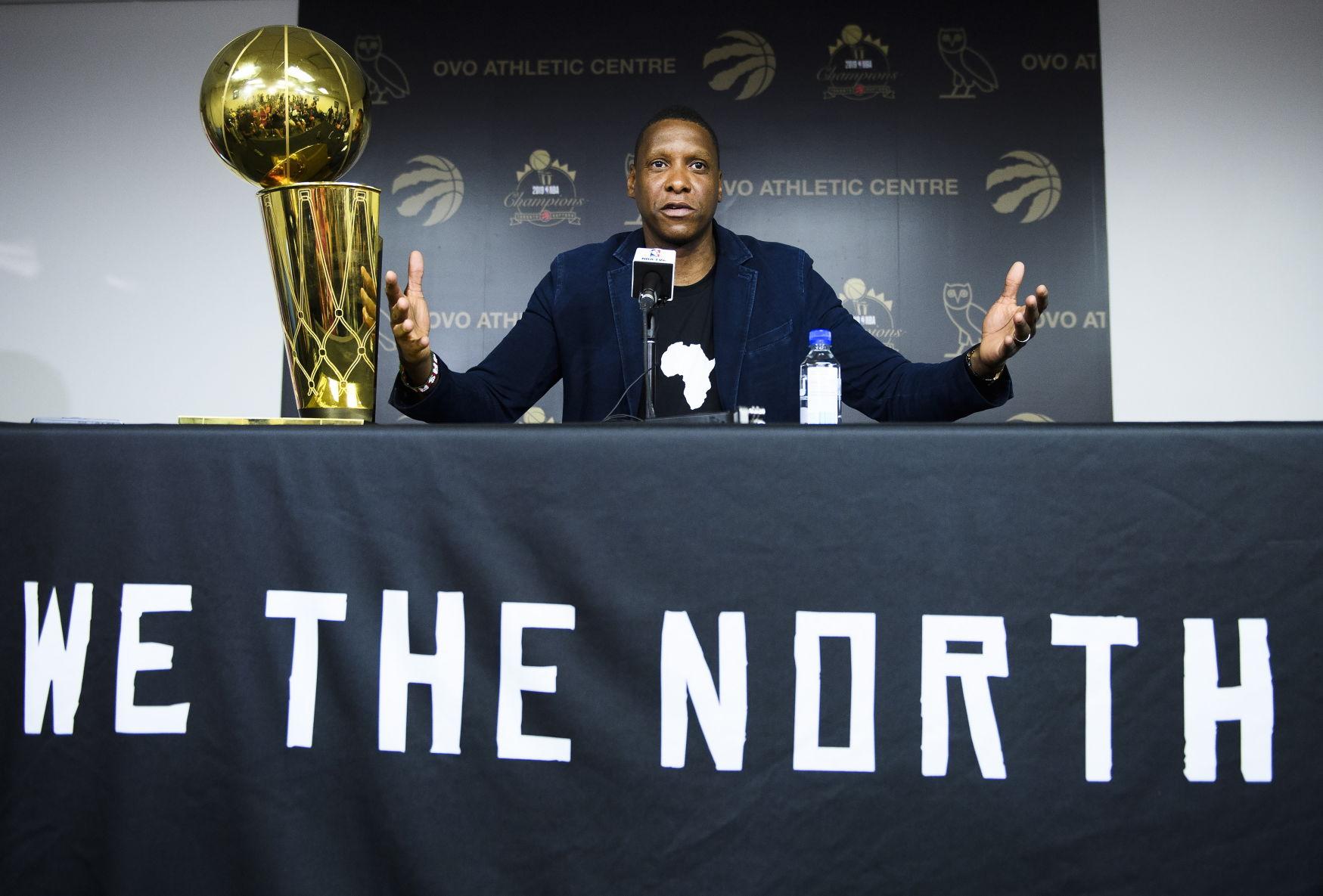 Confiado presidente de los Raptors en regreso de Kawhi Leonard