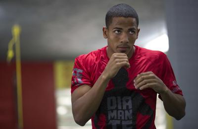 Félix Verdejo va decidido ante Will Madera