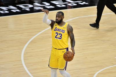Lakers se apuntan cuatro victorias en fila