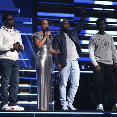 Los Grammy honran a Kobe Bryant con emotiva actuación