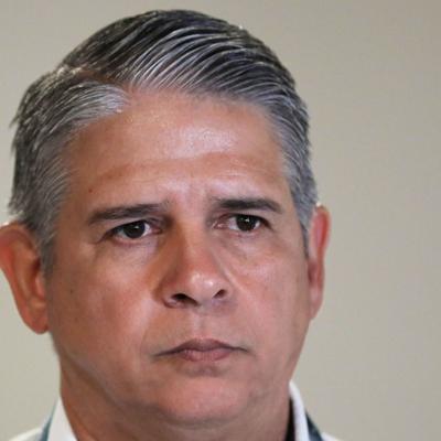 Carlos Acevedo dice que Elmer Román lo mandó a desaparecer suministros