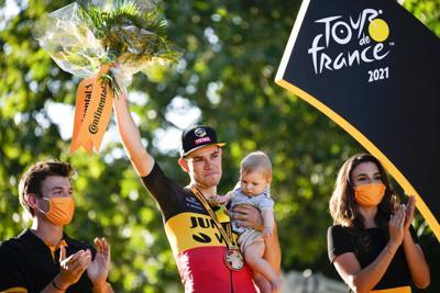 Ciclistas se dirigen a Tokio tras el Tour de Francia