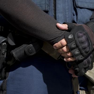Cae un policía estatal por robo de armas