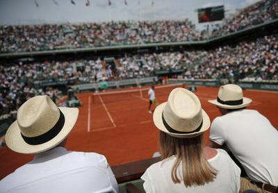 Roland Garros contempla jugar sin público y algo más tarde