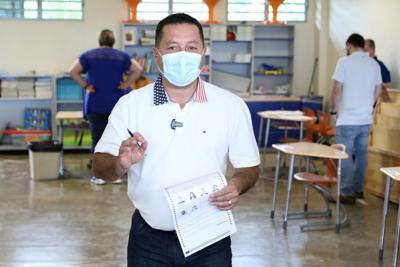 Ángel Pérez vota en elección especial