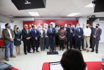 Conferencia de prensa en la sede del PPD