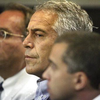 Celadores de Epstein acusados de falsificar registros