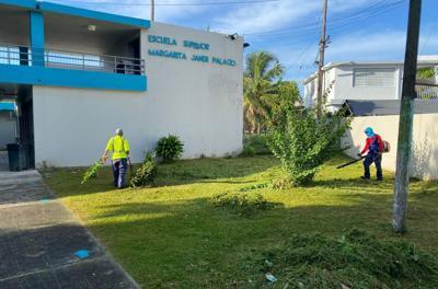 Guaynabo firma un acuerdo con Educación para dar mantenimiento a las escuelas públicas