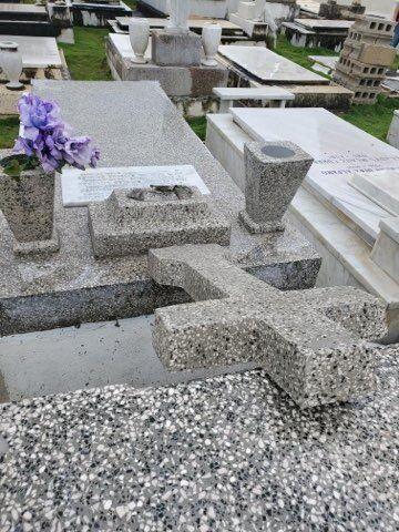 tumbas2.jpg