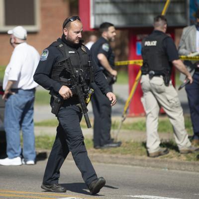 Estudiante disparó contra policías en escuela de Tennessee