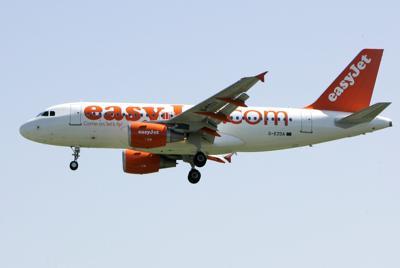 EasyJet y American Airlines anuncian drásticos recortes
