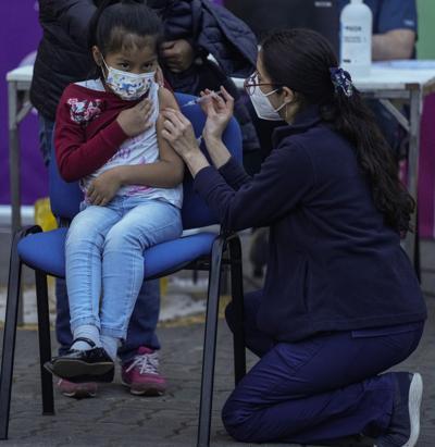 Chile inicia la vacunación contra el covid-19 en escuelas de niños de 6 a 11 años