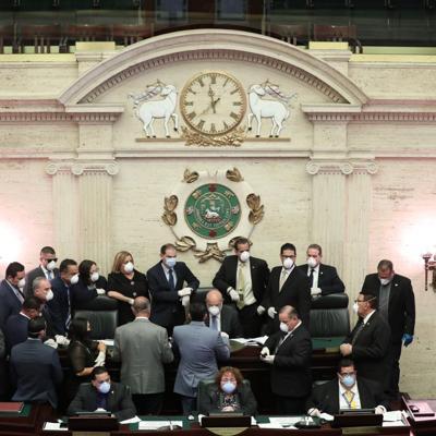 Legislatura aprueba 'fast track' siete medidas relacionadas al Covid-19