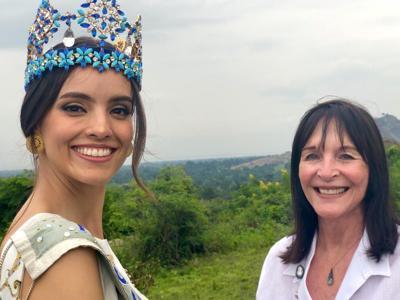 Presidenta de Miss World positiva a Covid-19