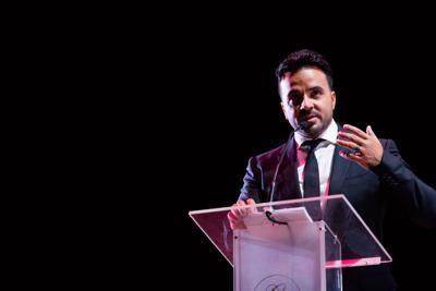Premian labor filantrópica de Luis Fonsi