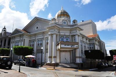 Ante nueva restauración el Teatro Yagüez