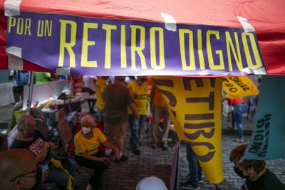 Gobernador no revela si firmará o no el proyecto de retiro digno