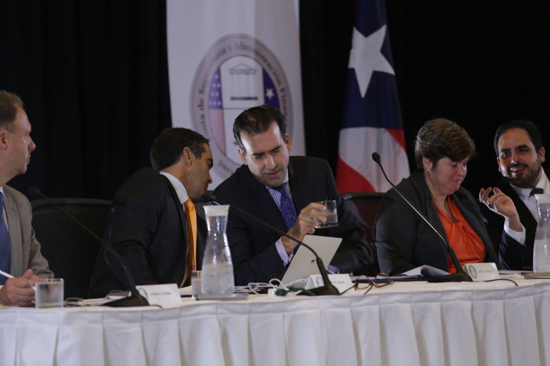 Impone reducción de jornada laboral en Puerto Rico