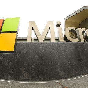 Microsoft contrata exsecretario de Justicia como auditor