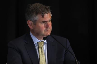 Justin Peterson, Junta Fiscal