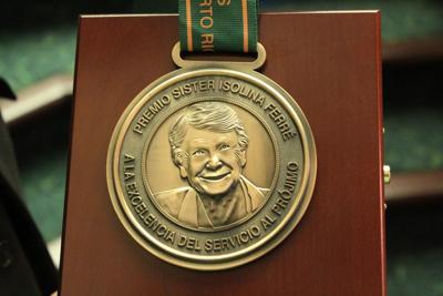 Medalla Sister Isolina.JPG