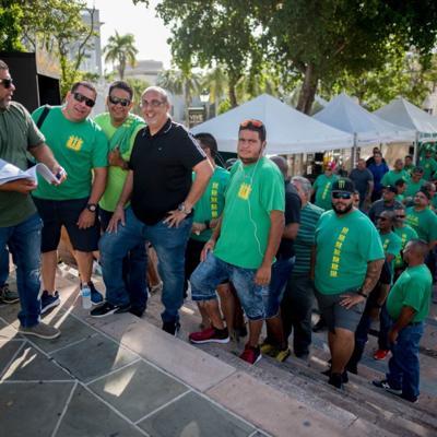 Llega a La Fortaleza protesta por privatización de la AAA