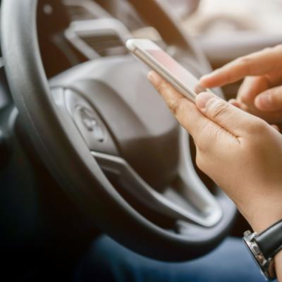 Tres individuos cometen carjacking contra conductor de Uber