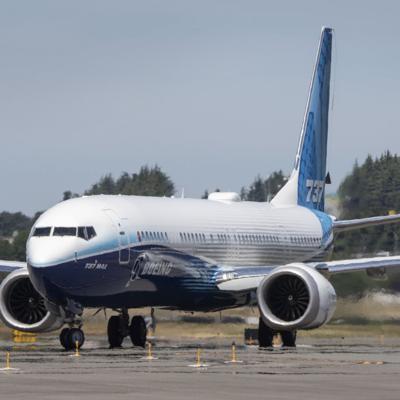 La nueva versión del 737 Max de Boeing hace su primer vuelo de prueba