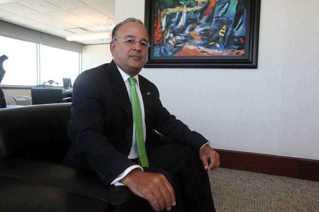 Presidente de FirstBank hace llamado al gobierno