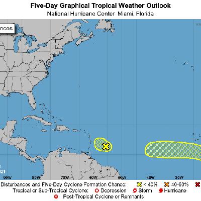 El Centro Nacional de Huracanes vigila dos sistemas que se dirigen al Caribe