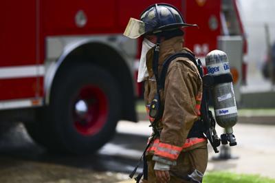 Bomberos controlan incendio en edificio en San Juan