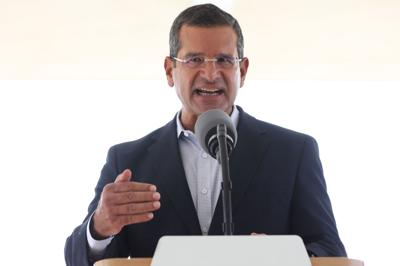 Gobernador firma el proyecto que crea la Ley para un Retiro Digno